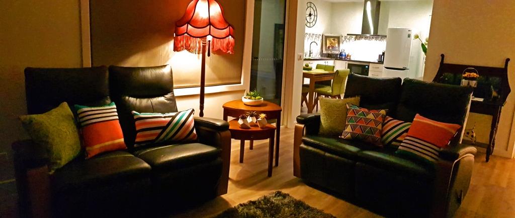Loungeroom (a)